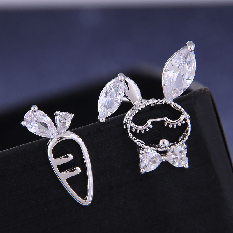 925 Silver Korean Fashion Sweet OL Copper Micro Inlaid Zircon Rabbit Radish Asymmetric Earrings NHSC191292