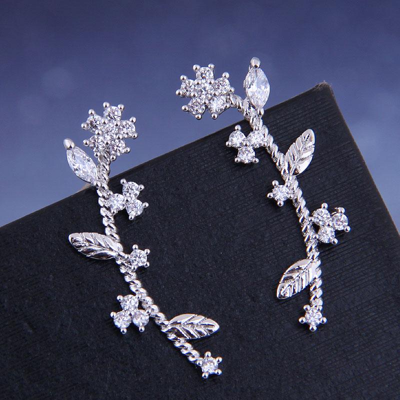 925 Silver Korean Fashion Sweet OL Copper Micro Inlaid Zircon Small Flower Ear Studs NHSC191291