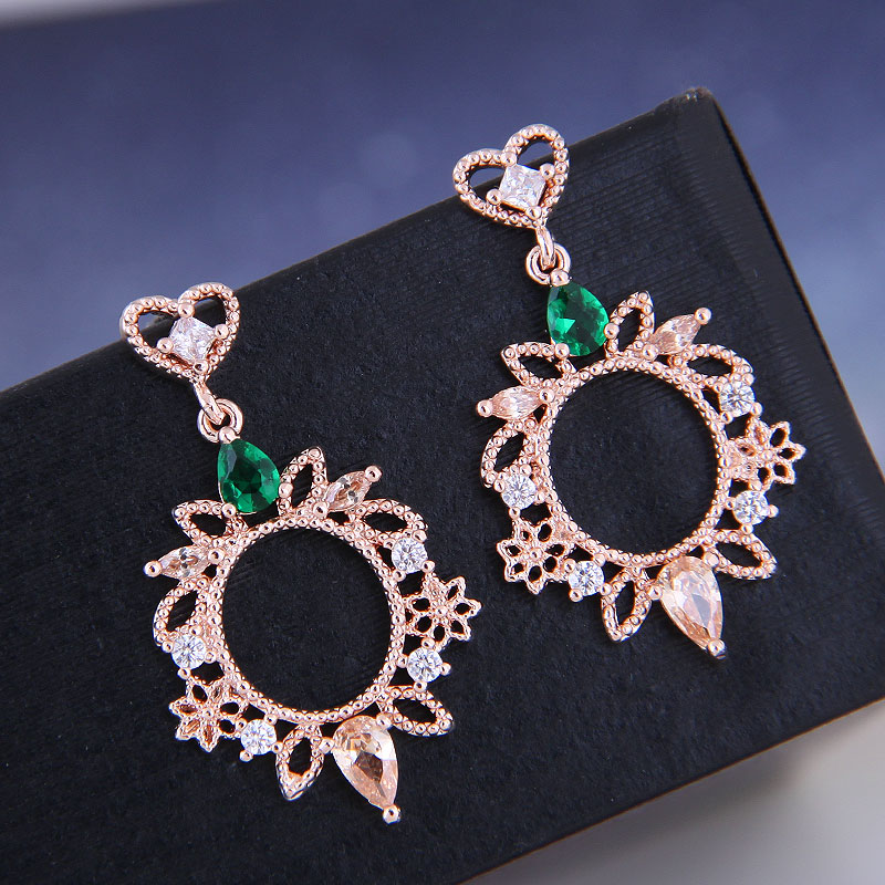 925 Silver Korean Fashion Sweet OL Copper Micro Set Zircon Pendientes simples NHSC191290