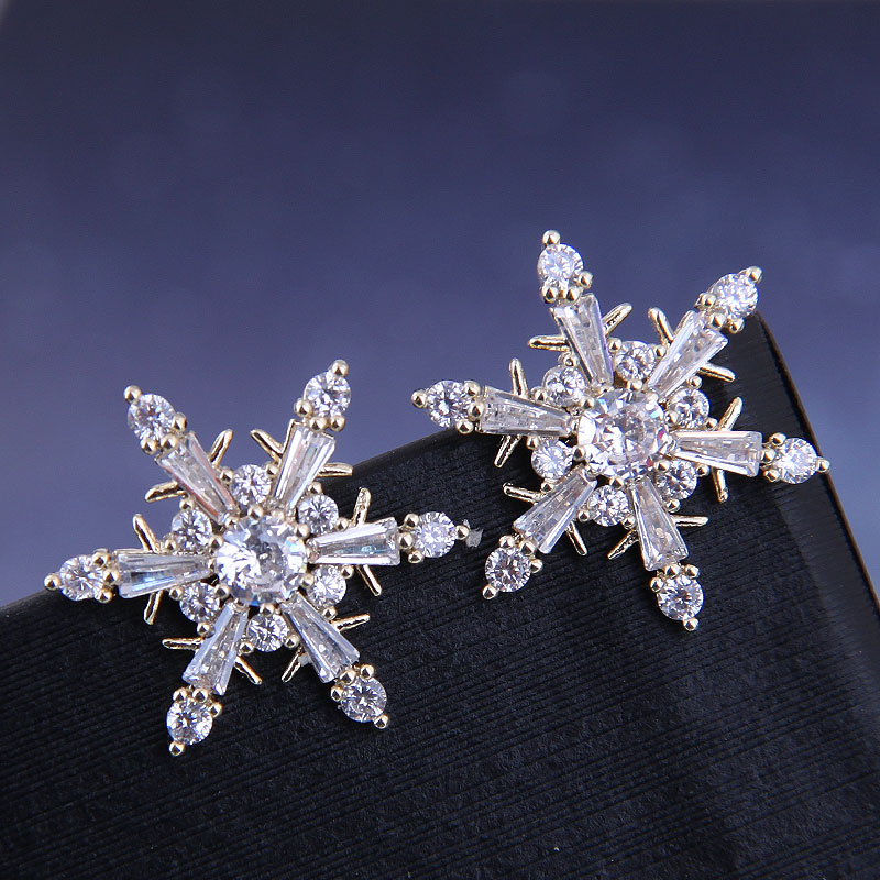 925 silver Korean fashion sweet OL copper micro inlaid zircon snowflake earrings NHSC191287