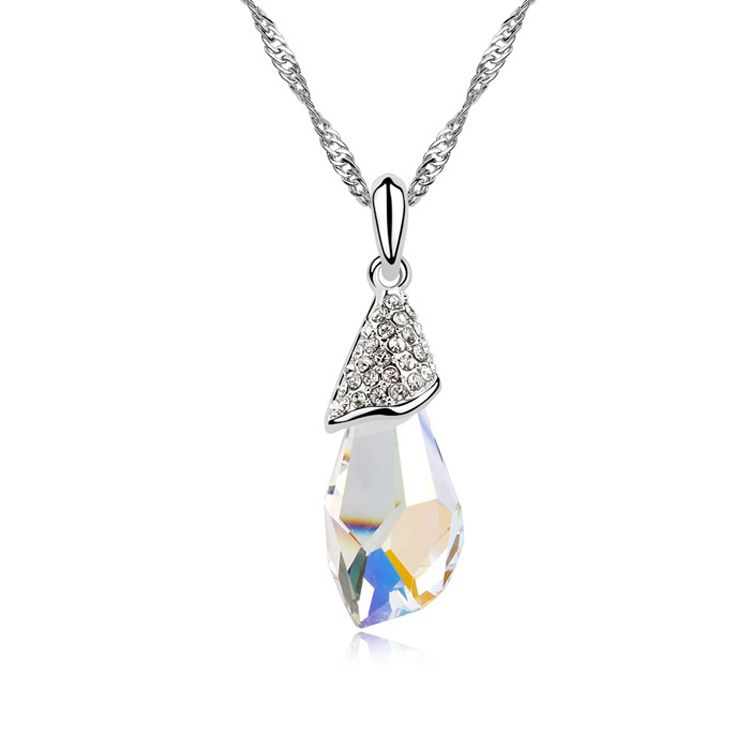 Austrian imitated crystal necklace  Mind Stone  Color White  8898