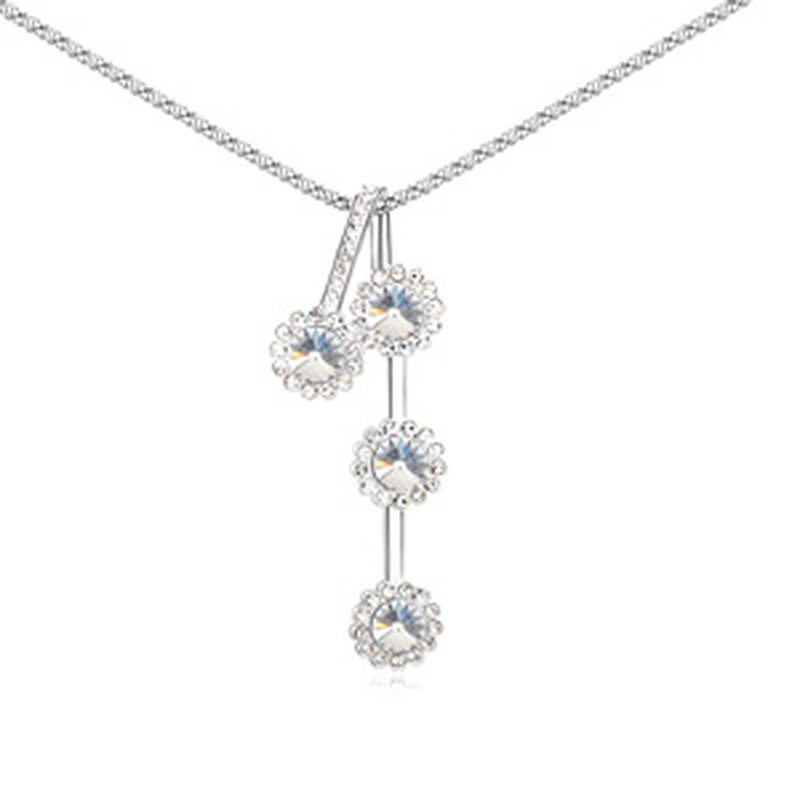 Austrian imitated crystal sweater chain  Yi Ju  White  11828