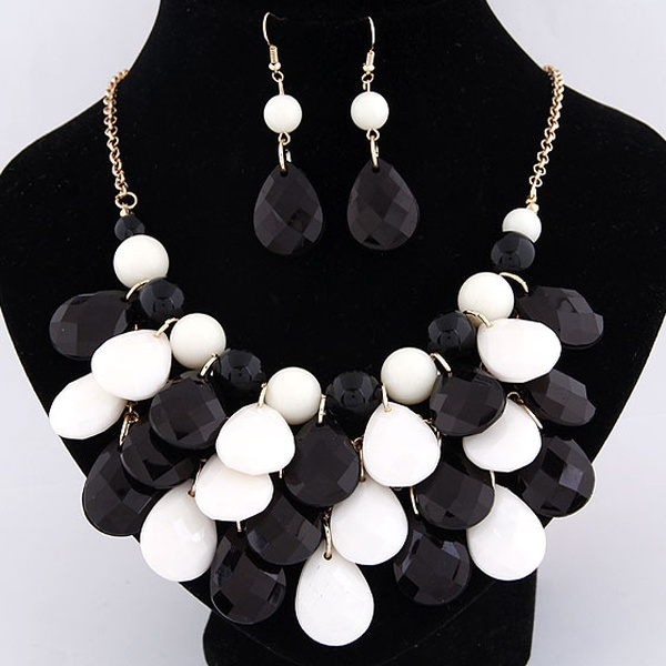 Summer breath Bohemian style easy match tear drop shor necklace and earrings set ( black + white ) 209976
