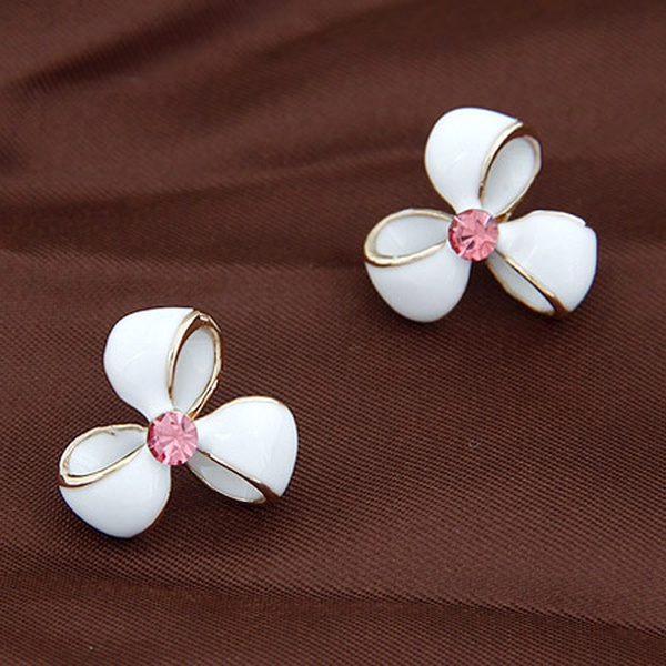 EXQUISITE gem embedded sweet clover ear studs white 203993