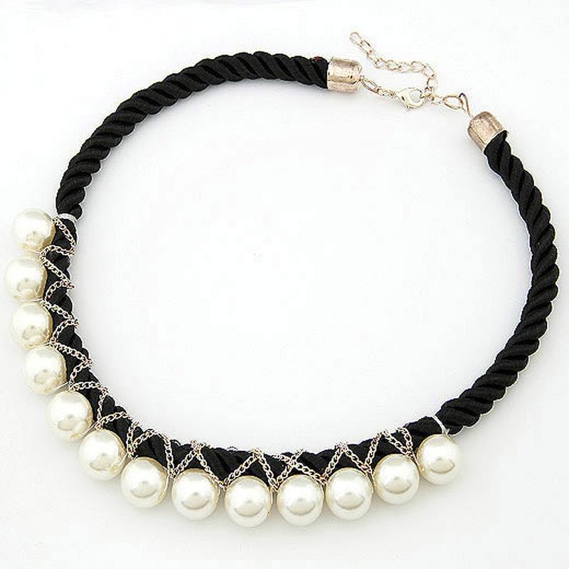 Unique Beads weave cord short necklace 199344