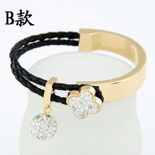 ( Czech imitated crystal ) EXQUISITE Sweet gem shining ball four-leaf clover easy match bangle 213790