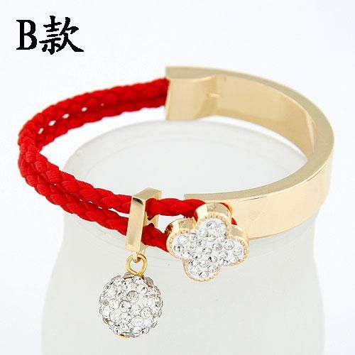 Czech imitated crystal  EXQUISITE Sweet gem shining ball fourleaf clover easy match bangle 213791