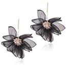 Alloy Korea Flowers earring  white NHNMD5004white