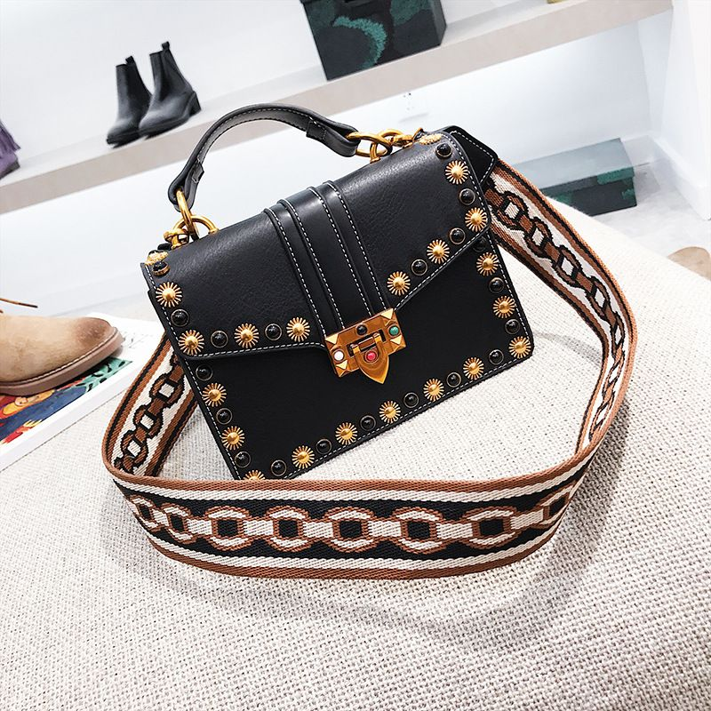 PU Korea  Shoulder bag  (black) NHTC2615-black