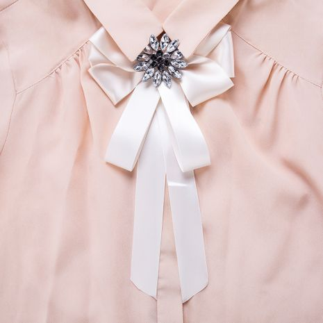 Fashion Alloy Rhinestone brooch Bows (white)  NHJE1084-white's discount tags