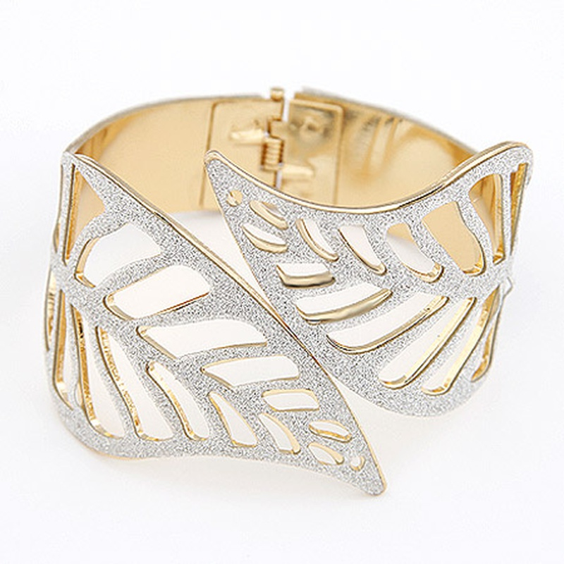 EXQUISITE  boast hollow out leaves cuff bangle 204373