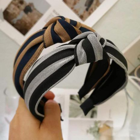 Contrast striped middle knotted headband NHRH157882's discount tags