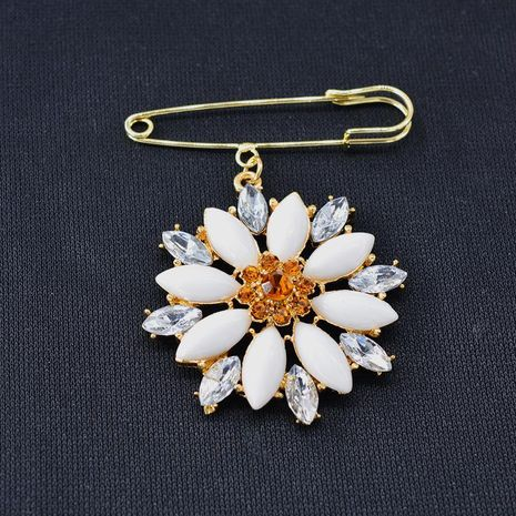 Womens Floral Plating Alloy Brooches NHNT158343's discount tags