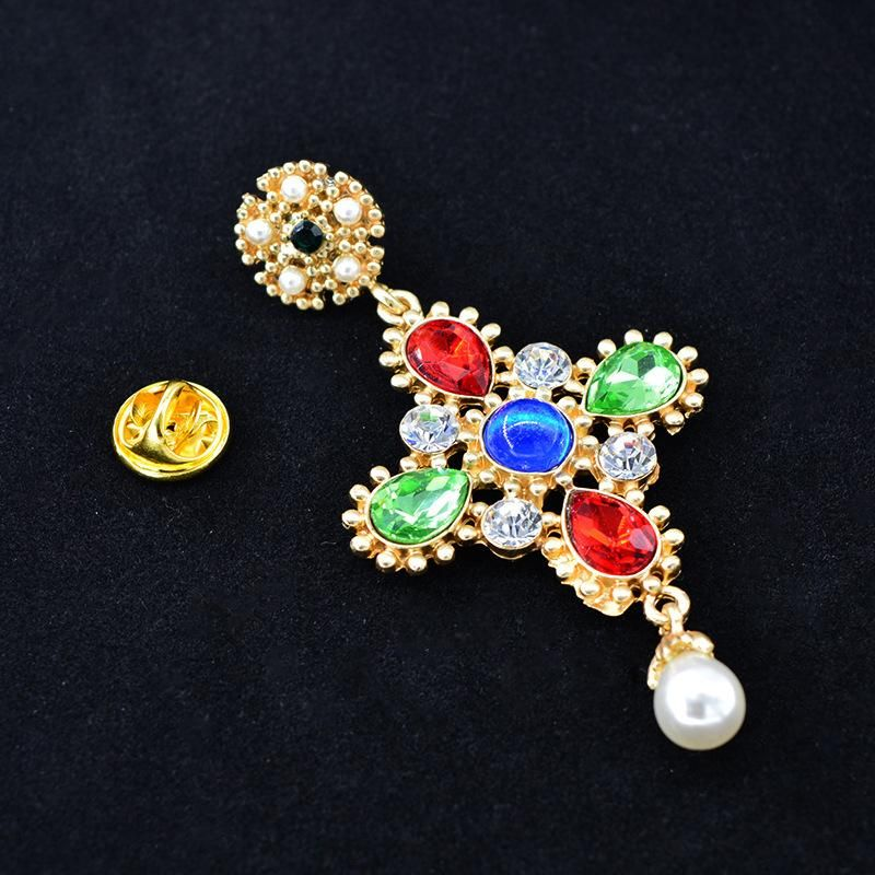 Europe and America exaggerated cross alloy brooch NHNT158367