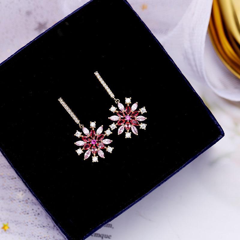 Korean version of 925 sterling silver needle snowflake artificial zircon earrings NHDO158558