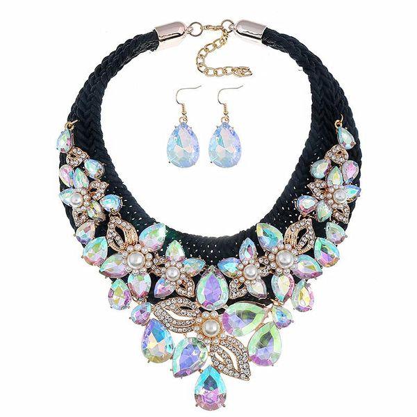 Nuevo conjunto de pendientes de collar de flores tejidas a mano con incrustaciones de perlas NHVA170430