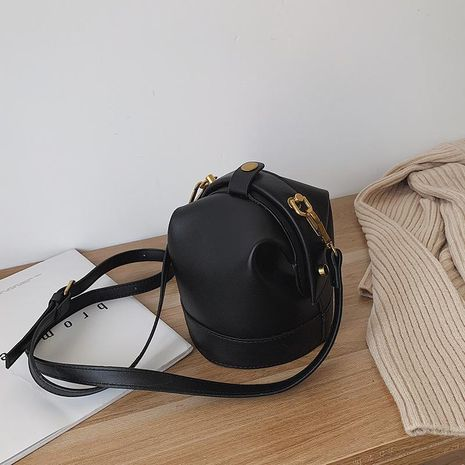 Simple texture one-shoulder fashion sloping bucket bag NHTC170535's discount tags