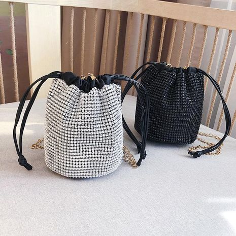 Chao Korean version of the wild Messenger bag bright diamond chain shoulder bag fashion bucket bag NHXC170623's discount tags