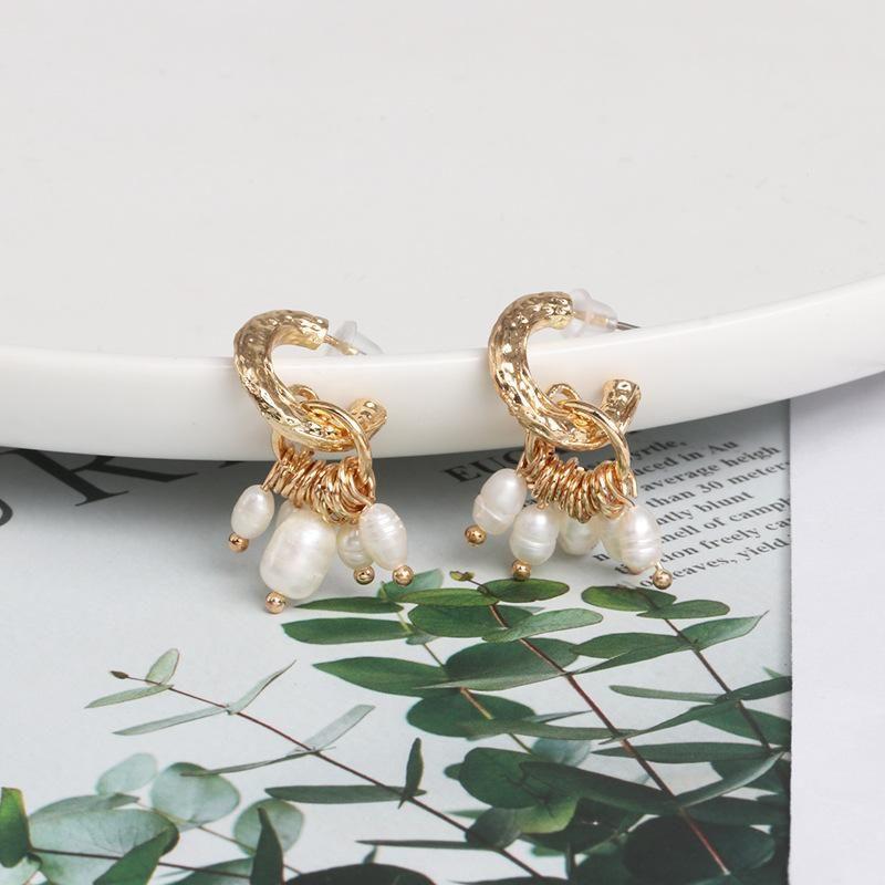 New fashion Baroque pearl alloy retro Cshaped drop pearl stud earrings NHJJ171189