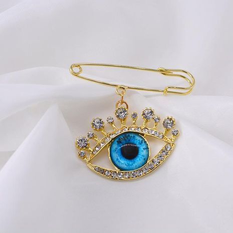 Brooch female pearl anti-light buckle blue eye brooch NHNT171065's discount tags