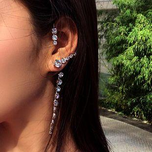 Pendientes curvos de moda con taladro con flecos NHNT171051's discount tags