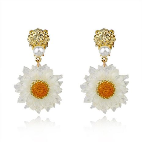 Vintage Golden Lion Head Stud Earrings Chrysanthemum Long Big Earrings Resin Earrings NHGO171888's discount tags