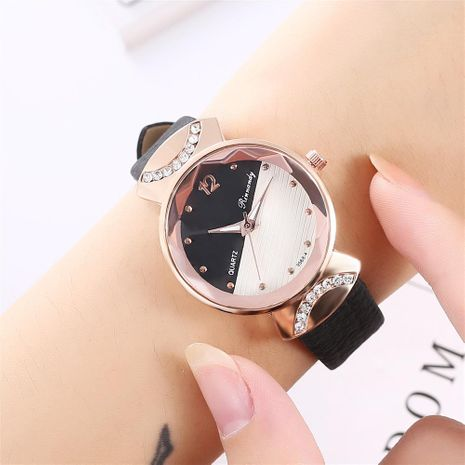Women's casual two-color rivet scale belt quartz watch NHHK172354's discount tags