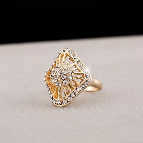 Geometric new fashion diamond ring NHKQ172866