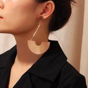 Mode classique en forme d'éventail boucles d'oreilles boucles d'oreilles femme créative de haute qualité boucles d'oreilles en forme de U NHNZ173363