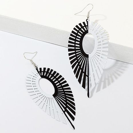 New creative leaf earrings personality black and white symmetrical drop-shaped earrings NHNZ173404's discount tags