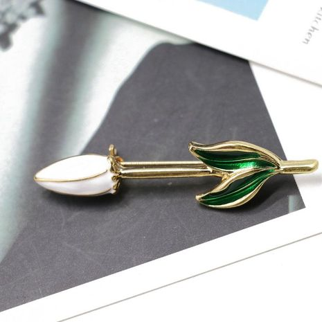 White drop oil pin simple brooch shirt sweater with jewelry brooch NHOM174119's discount tags