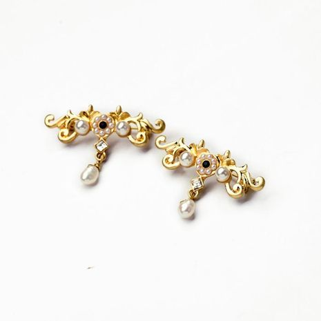 Fashion jewelry retro hollow luxury generous women's brooch NHQD174067's discount tags
