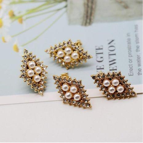 Small pearl broken diamond ear clip ear clip gold diamond shaped pearl diamond 925 silver needle ear clip ear clip NHOM174120's discount tags