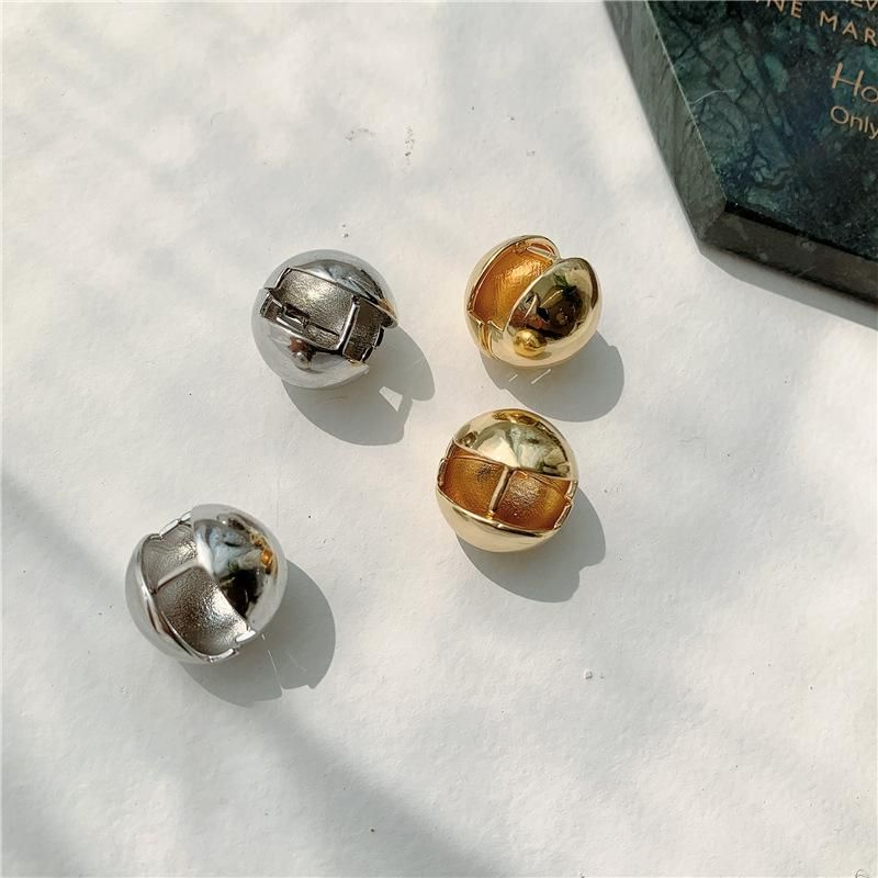 Autumn and winter personality design three-dimensional gold ball peas earrings NHYQ156469