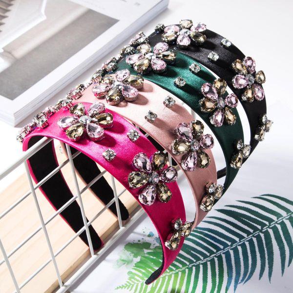 Paño liso con diadema de flores de diamantes NHJE157186