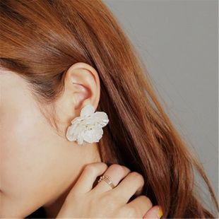 Fashion ear jewelry white shell exaggerated flower flower temperament earrings NHMS177175's discount tags