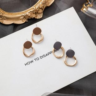 Simple new matte metal paint irregular round earrings short fashion retro geometric ear jewelry NHMS177120's discount tags
