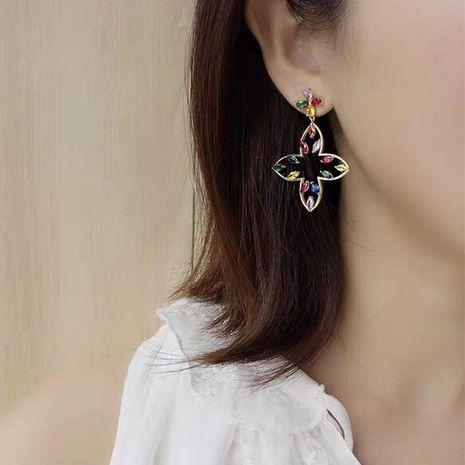 Nuevos pendientes de diamantes de imitación temperamento joyería de regalo de cumpleaños simple pendientes de metal salvaje moda NHJQ177478's discount tags