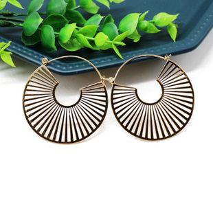 Aretes para mujer redondos de oro pendientes de línea geométrica pendientes de personalidad pendientes de moda callejera joyería NHOM177590's discount tags