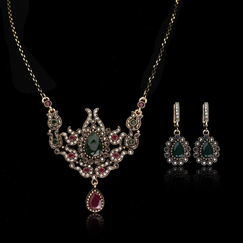 Fashion Wholesale Luxury imitation gemstone jewelry set bridal necklace earrings twopiece suit NHLJ177997