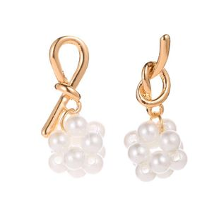 Wholesale fashion Asian gold earrings temperament asymmetric knotted pearl earrings earrings NHDP178234's discount tags