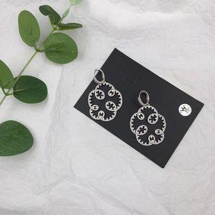 Pendientes de microcon incrustaciones de circonita círculo irregular pendientes de flores con textura al mayor de moda NHWK178198's discount tags