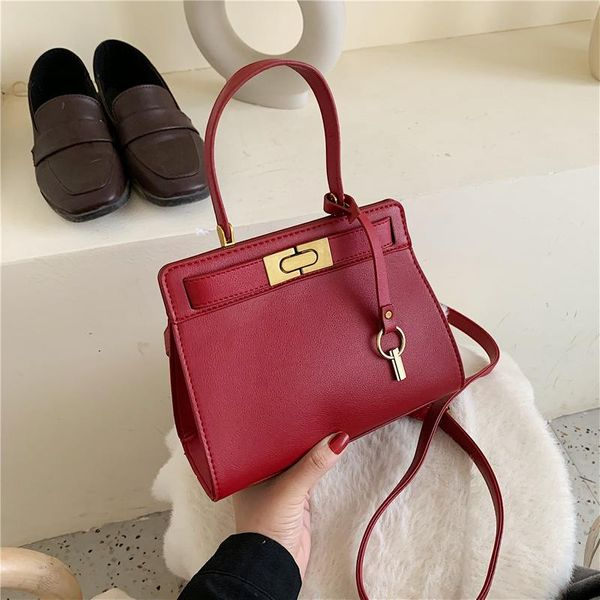 New simple large-capacity shoulder bag shoulder bag female retro fashion lock Kelly bag NHPB178562
