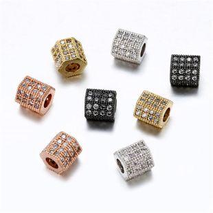 Accesorios de joyería caliente moda creativa simple cobre con incrustaciones de circonio columna hexagonal de cuatro colores agujero redondo colgante de perlas sueltas NHZU178830's discount tags