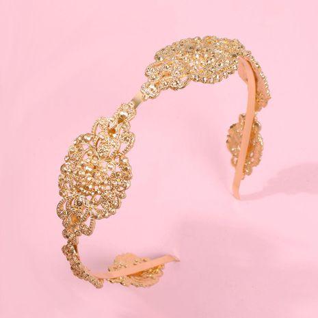 Nuevos accesorios para el cabello palacio estilo retro aleación tallada creativa diadema NHMD179082's discount tags