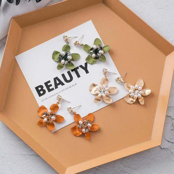925 silver needle personality three-dimensional crystal pearl flower earrings sweet irregular petal earrings female NHMS179537