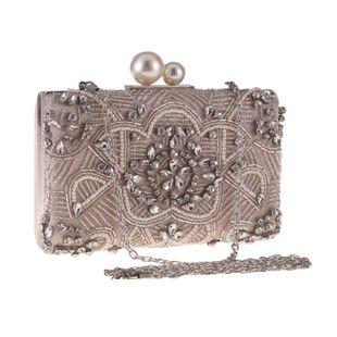 Nuevo bolso con tachuelas de diamantes y bolso de fiesta salvaje NHYG174745's discount tags