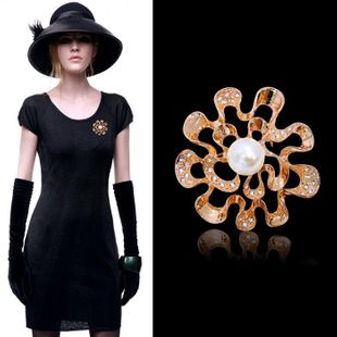 Red Apple Jewelry Korean Fashion Luxury Upscale Austria Crystal Alloy Flower Brooch Pin 350603 NHLJ180400's discount tags