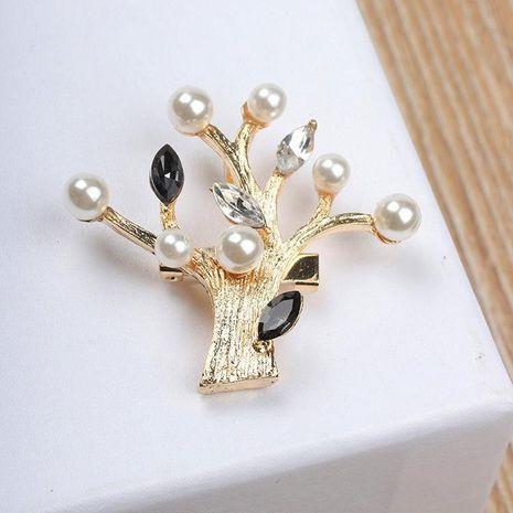 Best selling pearl rhinestone crystal diamond big tree brooch female cute fashion brooch NHCU180233's discount tags