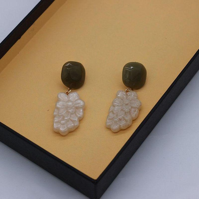 New fashion exaggerated earrings acrylic flower long earrings women's earrings NHWJ180292